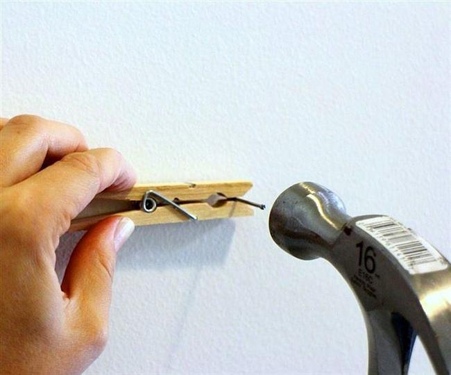 Parmaklarınızı parçalamadan çivi çakabilirsiniz.