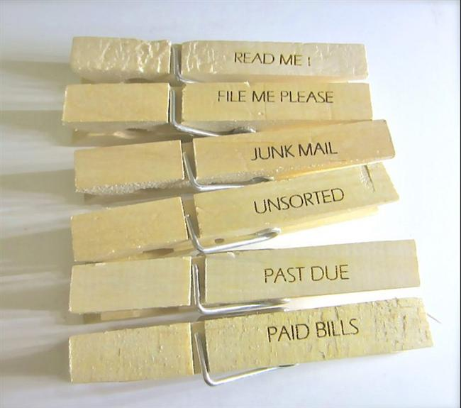 Dosyalarınız ve evraklarınız için hatırlatmalı ataç olarak mandal kullanabilirsiniz.
