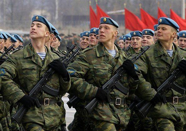 7. Rus askerleri resmen çorap giymeye 2007 yılında başlamıştır, onun öncesinde ayaklarını bez parçası ile sarıyorlardı.