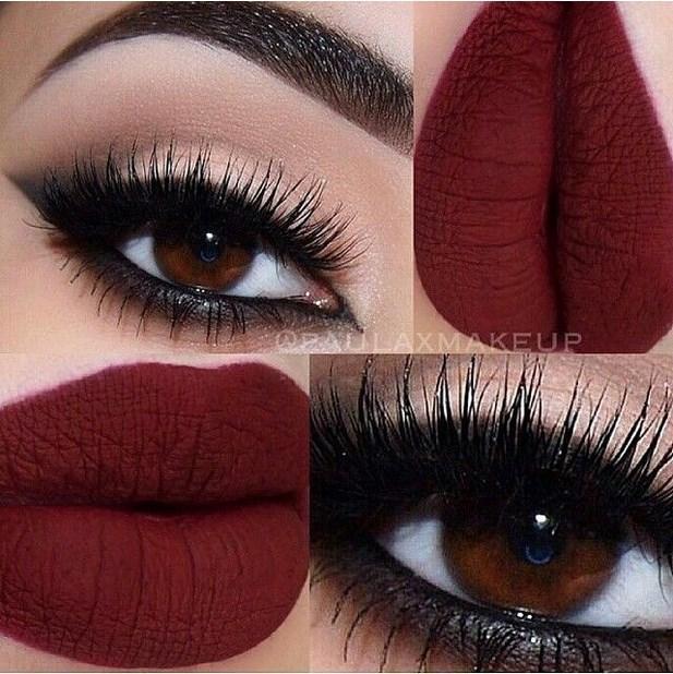 Koyu renk göz ve mat dudaklarda...