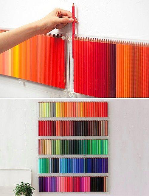 Evinizde ne kadar boya kalemi var toplayıp, duvara monte ediyoruz.