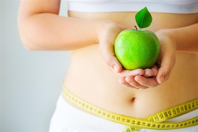Fazla kilolarınıza savaş açın: Uzmanlar kadınların beden kitle indekslerinin 19-24 değerleri arasında olması gerektiğine dikkat çekiyorlar. Bel çevresini kalça çevresine böldüğünüzde çıkan sonuç 0.85'in altında olmalı.