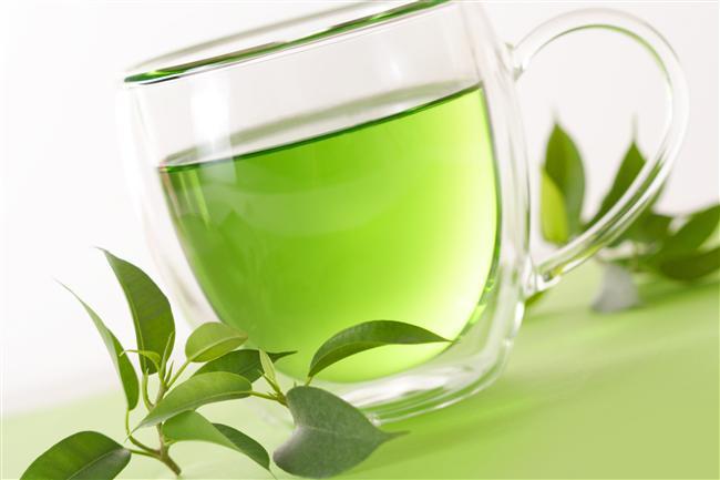 Yeşil çay ve nar suyu için: Yeşil çayın kötü kolesterol, yüksek tansiyon gibi kalp hastalığı risk faktörlerini azalttığı, yapılan çalışmalarla ortaya konmuş. Nar suyu da kolestrolü, kan şekerini dengeliyor, bağışıklık sistemini güçlendiriyor.