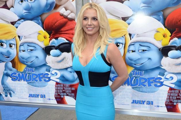 Britney Spears, konseri için hazırlanırken ayağını burkmuş ve bu nedenle de Las Vegas konserine üç hafta sonra çıktı.