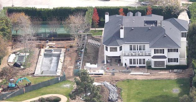 CONAN O'BRIEN'nın Pasifik Palisades de bulunan evi 20.000.000$ değerindedir.