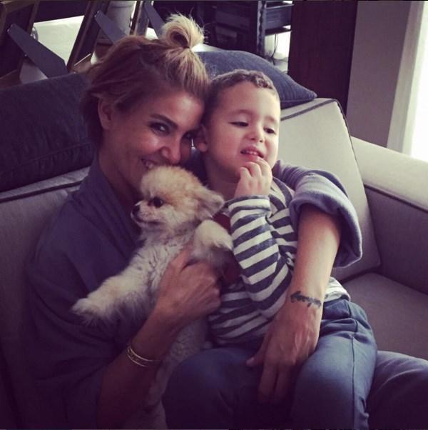 Mustafa Sandal  Birisi galiba Yavuza aşık olmuş:) Yavuz, Gülben ablasının kucağında Max ile birlikte keyiften dört köşe👍🙈🌟🌟🌟❤️ @gulben123 @yaemina