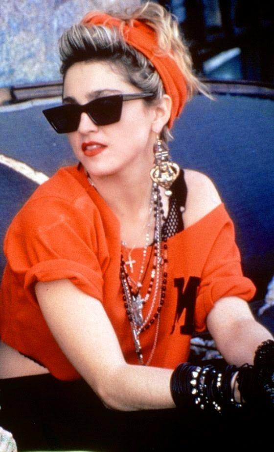 Wayfarer'ın olmadan Madonna gibi görünmek mi?  Aklının ucundan bile geçirme!