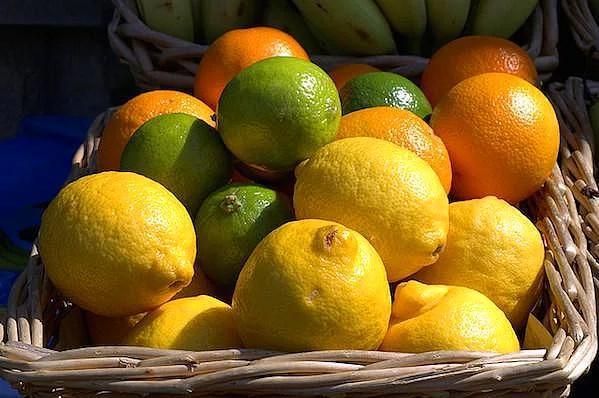 Turunçgiller  Turunçgiller, C vitamini yönünden zengindir ve soğuk algınlıklarında en iyi dostunuz olabilir.