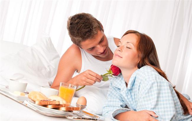 Hele ki kaldığınız otelde oda servisi, jakuzi gibi hizmetler de varsa mutluluktan ağlayabilirsiniz.  Akşam akşam yatakta kahvaltı keyfff
