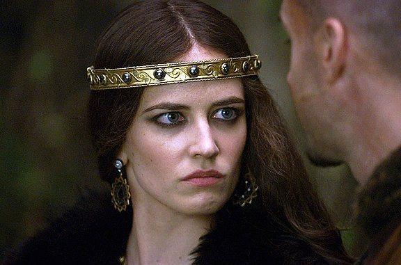 Hatice Sultan  Kanuni'nin kız kardeşi ve Pargalı İbrahim'in eşi. Ama uğradığı ihanetler ve tüm sevdiklerini kaybetmek onu yavaş yavaş idam edilen kocası Pargalı gibi birine dönüştürecekti. Tutkulu ve güçlü bir kadın için en iyi isimlerden biri, Eva Green.