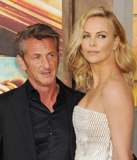 Sean Penn ve Charlize Theron geçen yılın bomba aşkına imzalarını atmışlardı. Özellikle de Theron yer röportajında Penn ile ne kadar mutlu olduğunu anlatıyordu.   Ama çift hayranlarını şoke eden bir kararla yollarını ayırdıklarını açıkladı.