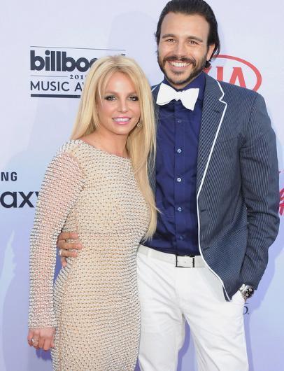 Britney Spears, hayatının aşkını Charlie Ebersol'de bulduğunu her fırsatta ilan ediyordu.   Ama bu çift de yollarını kısa sürede ayırdı.