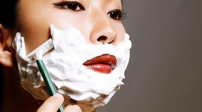 Özellikle Japonya'da kadınlar arasında yüz tıraşı oldukça popüler.  Hatta buna özel bir isim de vermişler: Kao Sori.