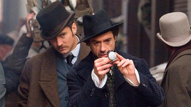 """Sherlock Holmes (2009)  IMDb: 7.6  Böyle bir listenin olmazsa olmazlarındandır Sherlock Holmes. Aslında filmde bulmacayı çözmeye çalışmanız boşuna olacaktır, çünkü Sherlock bu işi size bırakacak kadar yavaş değil.  Bir izleyici yorumu: """"Cezbedici ve sizi ekrana kilitleyen, dönemin dekorlarını ve dönemin şartlarını filme çok güzel entegre edip bunu harika bir senaryo ve güzel bir kurguyla birleştiren ve bunu dünya starlarıyla yapan harika bir sinema filmi."""" / Rmznnn"""