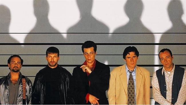 """Olağan Şüpheliler / The Usual Suspects (1995)  IMDb: 8.6  Kimdir bu Türk mafya lideri Keyser Söze? Tam da buldum derken ters köşeye yatabilirsiniz.   Bir izleyici yorumu: """"Hiç kuşkusuz sinema tarihinin unutulmaz başyapıtlarından biri. Henüz izlemeyenlere biraz tüyo verelim, dikkatli izlemezseniz bazı sahneleri geri alıp tekrar izlemek durumunda kalabilirsiniz."""" / Phoebus"""