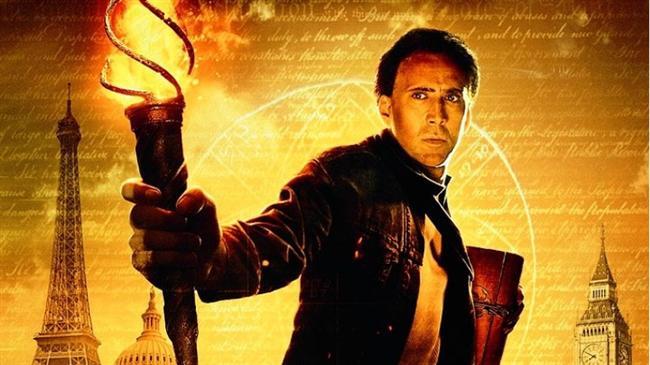 """Büyük Hazine / National Treasure (2004)  IMDb: 6.9  Elinde bir hazine haritası olan zeki bir karakterin maceralarını kim izlemek istemez ki? İpuçlarının takip edilerek maceradan maceraya koşulduğu gizem ve gerilim dolu bir yapım.  Bir izleyici yorumu: """"Indiana Jones filmlerinin günümüze uyarlaması gibi. Büyüklerinizden duyduğunuz, ailenize ait bir hikayeye siz ne kadar bağlanabilirdiniz? Bu bağlılık ve inanç sizi nerelere kadar götürürdü? Ya size bütün bunların yalan olduğunu söyleseler yolunuza devam eder miydiniz?"""" / babyangel"""