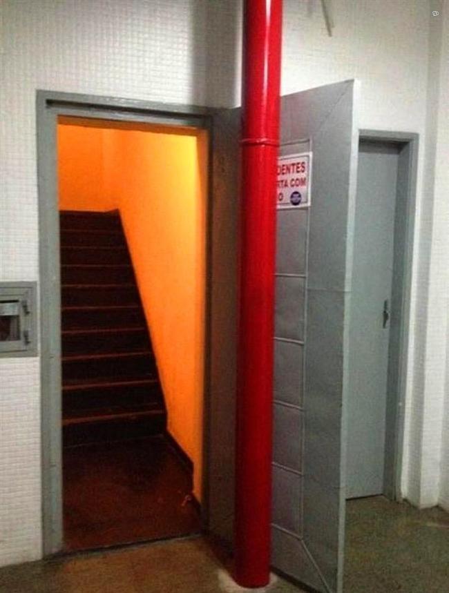 Kim koydu bu kapıyı buraya?