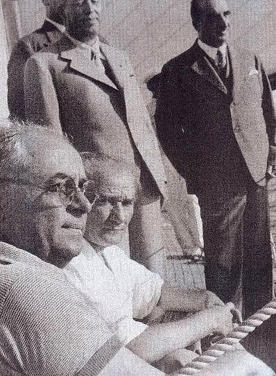 23 Kasım 1937  Atatürk'ün öğleden sonra otomobille Gazi Orman Çiftliği'ne kadar bir gezinti yapması ve dönüşte Keçiören'de Cevat Abbas Gürer'in evine uğraması.