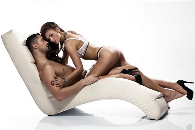 """Orgazma giden yolu kendiniz belirleyebilirsiniz.  Diğer bir garip orgazm haberi de, orgazmı zihinsel olarak başlatmanın mümkün olduğu. Seks Terapisti Gine Ogden """"Bu bir nefes alıp verme, fantezi; kendi kendinize odaklanmanız için izin vermenizin bir kombinasyonudur."""" diyor."""