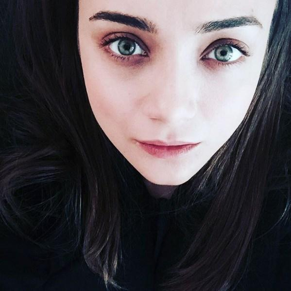"""Damla Sönmez  """"I tell strangers wrong names and wrong places... I don't know why I don't like those faces. And sometimes i tell the truth maybe it's just because of my youth...."""" 👯AnnenMayKantereit""""Sometimes"""""""