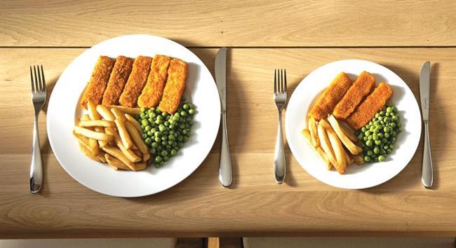 Küçük kase ve tabakların önemi  Ne kadar büyük tabak o kadar fazla yemek! Açık büfede insanların %52si büyük servis tabağı kullanır ve bu yüzden %45 daha fazla yemek yerler.