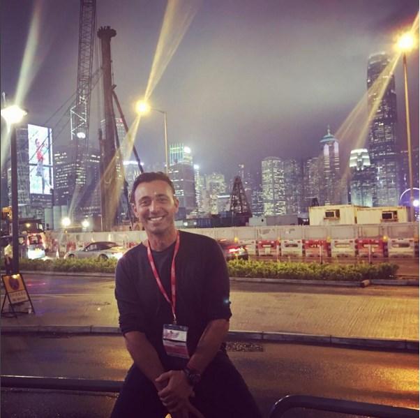 Mustafa Sandal  Hong Kong'tan sevgiler✌🏻️ Bir İstanbul olmasada gerçekten çok güzel ve özel bir şehir😉