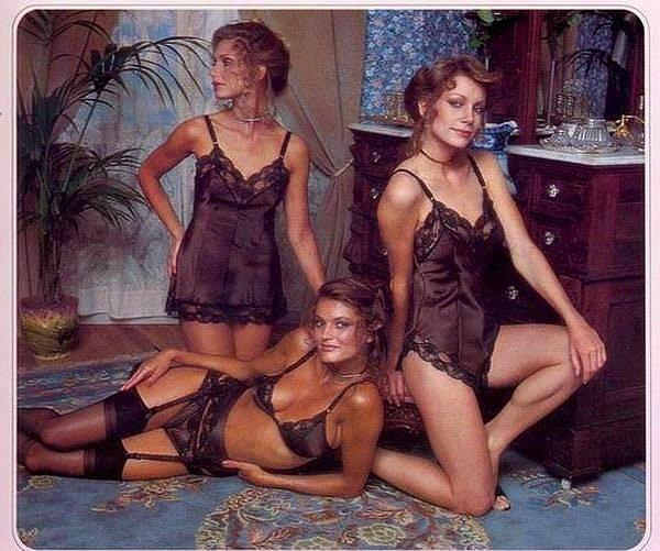 Dünyaca ünlü iç giyim markası Victoria's Secret'ın 1979 kataloğu ve ona poz veren eski melekler..