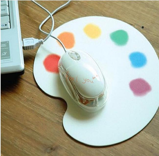 Renkler, mousepad'in kankasıdır...  Hem gününüzü de renklendirir...