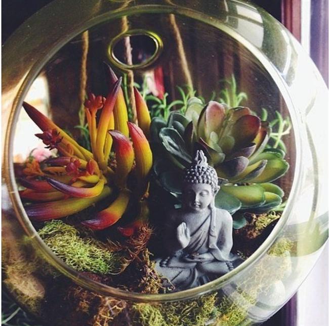 Masanızda bir zen bahçesine ne dersiniz?  Derin bir nefes alın, günün stresinden uzaklaşın...