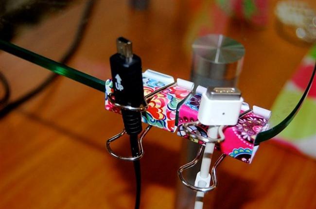 Karman çorman kablolara son! Onları kolaylıkla düzenleyebilirsiniz  Kağıt tutucular hazırsa hemen başlayalım!