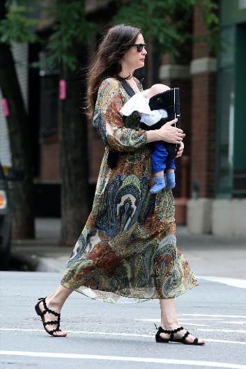 Liv Tyler hala sinemanın en gözde yıldızlarından biri.. Artık o iki çocuk annesi bir genç kadın. İkinci bebeğini kısa bir süre önce dünyaya getirdi.
