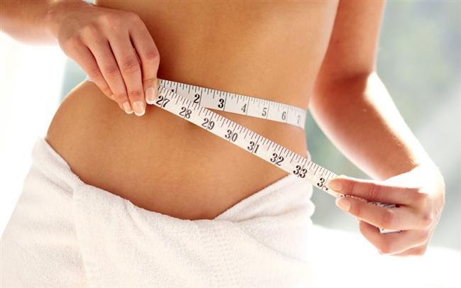 Tartı size hangi kiloda olduğunuzu gösterebilir ama bu gördüğünüz rakamlar gerçek yağ oranınız  ile ilgili bilgi vermez. Hiç beklemediğiniz bir şekilde çok zayıf görünen biri aslında gereğinden fazla yağ oranına sahip veya iri kol kaslarına sahip sıkı görünümlü bir sporcu ideal kilosunun biraz üstünde olabilir.  Vücudunuzdaki yağ oranını ölçmek için birçok yöntem var ancak bu yöntemlerin bazıları doğru sonuçlar vermiyor. Örneğin, kemik yoğunluğu ölçümü  kesin sonuçlar verirken, göbek deliğinize dokunmaya çalışmak gibi doğru bilinen yanlış yöntemler de var.