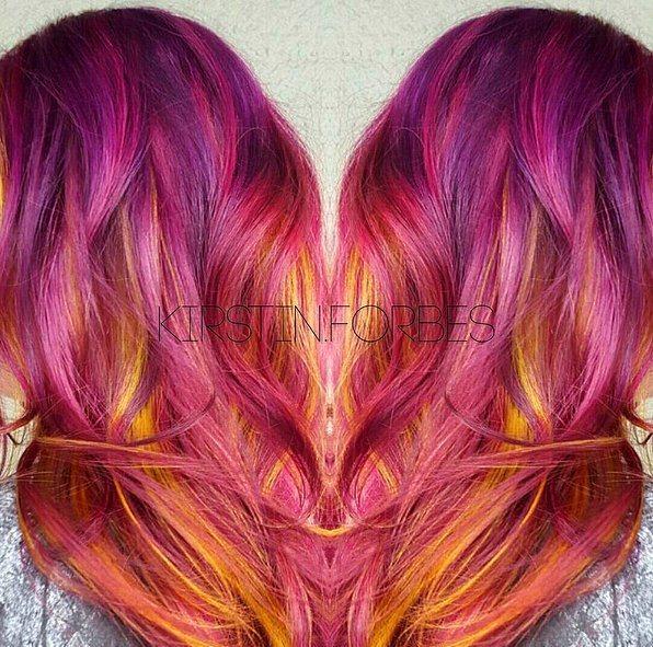 Pek çok insan, saçını artık gün batımının bu eşsiz renklerine boyuyor.
