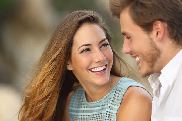 Başkalarına bakmak:  Bir erkek ortalama olarak 1 yılını, kadınlar ise 6 ayını karşı cinse bakarak geçiriyor.