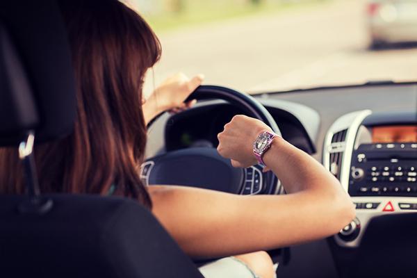 Trafik ve Seyahat:  Bir insan ömrünün 6 yılını trafikte geçiriyor.