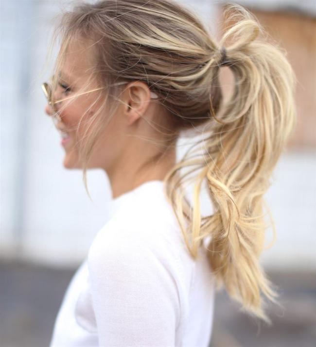 Acil zamanlarda imdadınıza yetişecek, sizi bu zor durumdan kurtaracak kolaylıkla yapilabilen saç modellerini sizler için derledik...