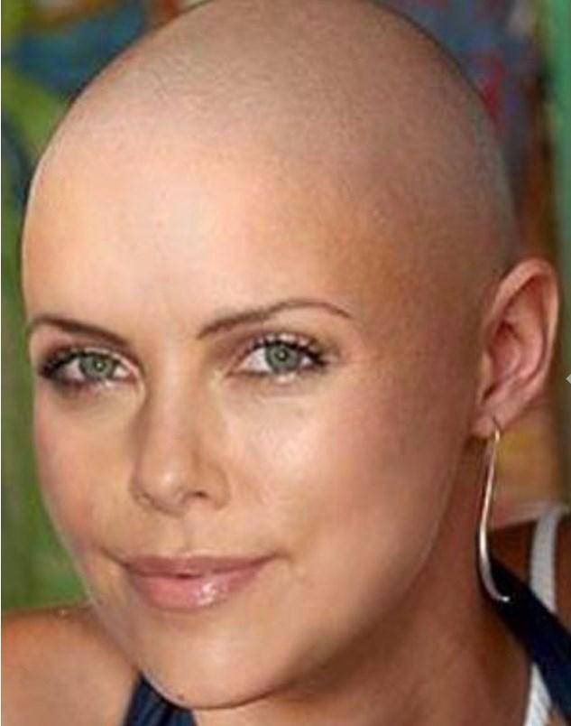 Güzeller güzelimiz Charlize Theron da Mad Max'te bu haliyle karşımıza çıktı.