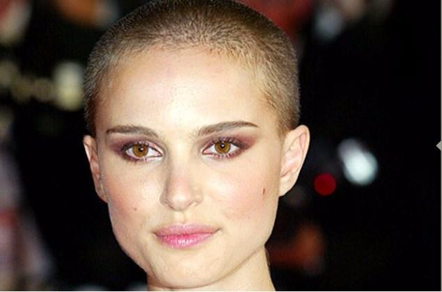 """Portman """"V for Vandetta"""" gibi efsane olmuş bir film için saçlarına kıymıştı."""