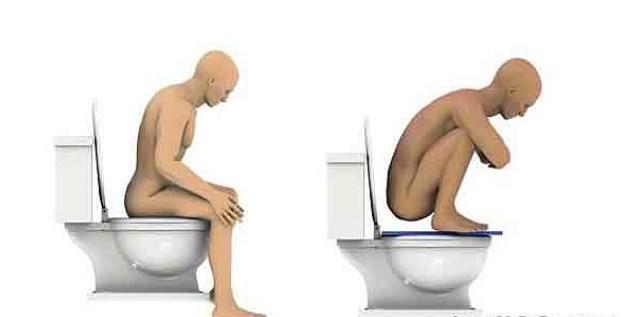 Büyük Tuvaletimizi Yanlış Yapıyoruz  Bilimsel olarak büyük tuvaletimizi de yanlış yapıyoruz. Oturarak tuvaletimizi yapmak vücudun doğal biçimde gerçekleştirebileceği bir pozisyon değil. Çömelerek tuvalet yapmak rektumun daha düz durmasını sağlıyor. Böylece daha hızlı ve kolay bir geçiş sağlıyor. Oturduğunuz zaman ise puborectalis kası rektumu baskılıyor, bu yüzden yapılmasını istediğimiz görevi yerine getirmeyi zorlaştırıyor.