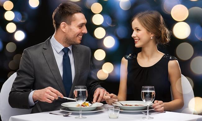 Boğa  Hayatları yemek, seks ve para üzerine kurulduğundan iyi bir restoran, gece kulübünden daha etkili olur.