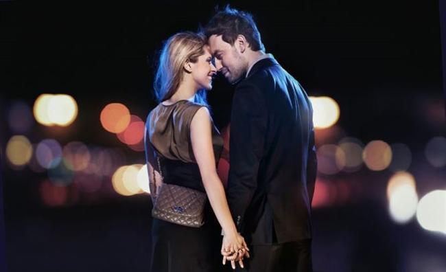 Kova  Kendilerini beğenmiş gibi görünürler ama aslında değildirler. Aptal hiç değildir. Romantiktirler.