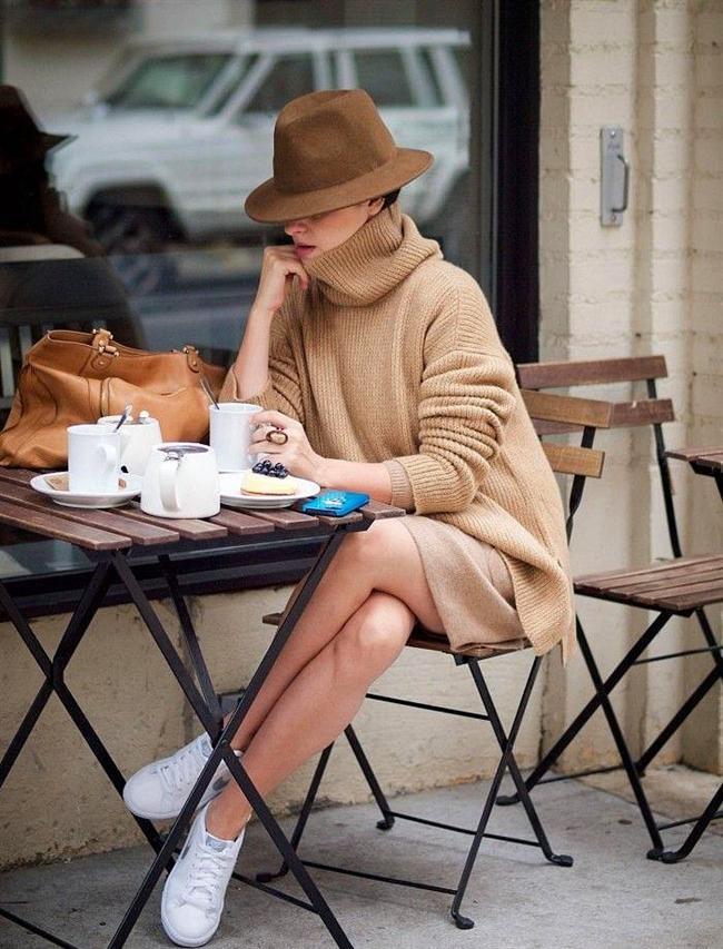 Soğuktan korunurken tarzınızı tamamlayan şapkalarla şıklığınızı da tamamlayabilirsiniz! Kat kat giyindiğimiz bu soğuk kış günlerinde seçeceğiniz şapkayla trendy görünebilirsiniz.