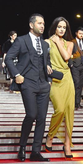 Açelya Samyeli Danoğlu, törene sevgilisi Erman Ademoğlu ile katıldı.