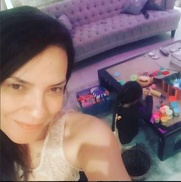 Yeşim Salkım  Haydi oyuna #playdoh #meryem #meryemada
