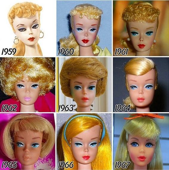 Barbie bebekler, 1959 yılında sahneye çıkmasından bu yana, toplumda oluşan kadın imajına göre bazı değişimler geçirdi. Tumblr kullanıcısı Tenaflyviper, 1959'dan beri piyasaya sürülen tüm Barbie'lerin fotoğraflarını topladı ve bu değişimi gözler önüne sermek için hepsini bir araya getirdi:  Barbie'nin yüzünün 56 yıllık bir süre boyunca ne kadar değiştiğini merak ediyordum. Şahsen 1987- 1995 yılları arasındakilerin en tatlı olduğunu düşünüyorum; ama o zamanlar küçük bir kızdım, belki bu yüzden biraz ön yargılı olmuş olabilirim.  Peki ya 56 yıllık bir geçmişi olan Barbie bebeklerden sizin favoriniz hangisi?