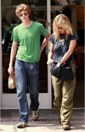 Meg Ryan'ın Dennis Quaid ile evliliğinden Jack adlı bir oğlu var.