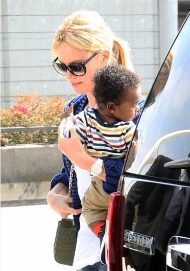 Charlize Theron, oğlu Jackson'ı 2012 yılında evlat edinmişti.