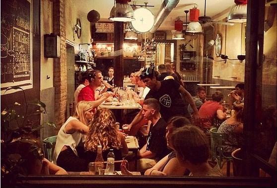 Restoranların gece yarılarına kadar açık olduğunu gördüğünüzde sakın şaşırmayın.