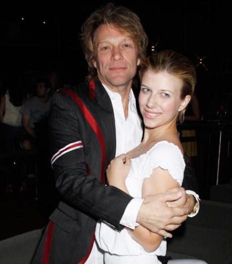 Jon Bon Jovi'nin kızı Stephanie Rose Bongiovi de 2012 yılında tatsız bir olaya karıştı. Genç kız kelimenin tam anlamıyla ölümden döndü.
