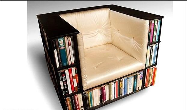 İstediğiniz kitaba rahatça ulaşabileceğiniz kütüphane koltuk